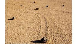 Read more: Misterioasele pietre mişcătoare din Valea Morţii