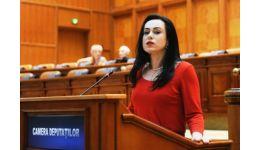 Read more: Simona Bucura Oprescu: Lăsați lupta pentru putere sau plecați!