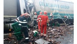Read more: VIDEO. Accident pe DN7. Două TIR-uri s-au lovit frontal