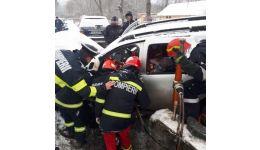 Read more: Cu doi copii în mașină, o șoferiță a intrat într-un cap de pod