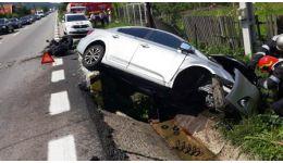 Read more: Accident pe DN7. Obosit, a intrat cu mașina într-un cap de pod