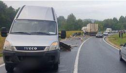 Read more: Un ilfovean rănit grav, în Vâlcea. A provocat un accident în care au mai fost implicate un TIR și o autoutilitară