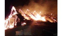 Read more: Arde o casă într-o comună din Argeș. Pompierii au găsit o femeie inconștientă