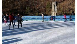 Read more: S-a deschis patinoarul din Trivale!