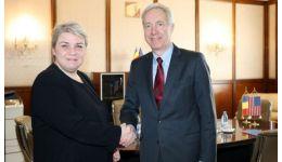 Read more: Sevil Shhaideh invitată la recepţia oferită de E.S. Hans Klemm, ambasadorul SUA la Bucureşti