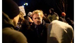 Read more: Șeful Raiffeisen, Steven van Groningen, 'sancționat' pentru proteste antiguvernamentale