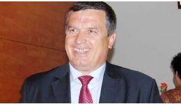 Read more: Vocea Romilor îi ia apărarea primarului Gutău şi îşi bate joc de loazele din presă