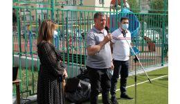 Read more: Mircia Gutău a inaugurat terenul de sport de lângă Grădiniţa Ostroveni 2. Acces GRATUIT