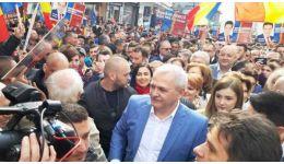 Read more: Liviu Dragnea se va auto - suspenda din funcţie, duminică noaptea