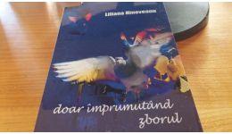 Read more: Liliana Hinoveanu ne promite că poezia salvează omenia