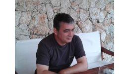 Read more: THE SPECIAL ONE DE LA ARGEŞ. Mircea Andrei seamănă cu Mourinho, zici că sunt fraţi
