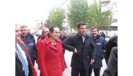 Read more: Alegeri în Argeș. Simona Bucura Oprescu şi Daniel Constantin, alături de cetăţenii din Boteni şi Mioveni