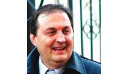 Read more: Scrisori către Petre Tănăsoaica. 7 - Moartea unui ziarist înseamnă, pentru unii, un nemernic mai puţin