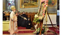 """Read more: La noapte, Vâlcea se roagă la Icoana Maicii Domnului """"Prodromița"""""""
