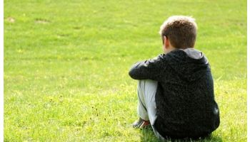 f_350_200_16777215_00_images_banner1_child-alone-autism-1.jpg
