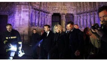 f_350_200_16777215_00_images_banner5_macron-catedrala-Notre-Dame.jpg