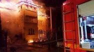 Incendiu în Argeș. A ars acoperișul casei, dar a fost salvată mașina