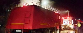 UPDATE. Incendiu puternic într-o comună din Argeș. Proprietarul, transportat la spital