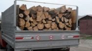 Tânăr din Horezu, prins de polițiști transportând material lemnos fără documente de proveniență