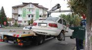 Continuă ridicarea maşinilor staţionate neregulamentar în Râmnic